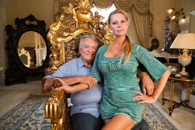 クィーン・オブ・ベルサイユ 大富豪の華麗なる転落 メインイメージ